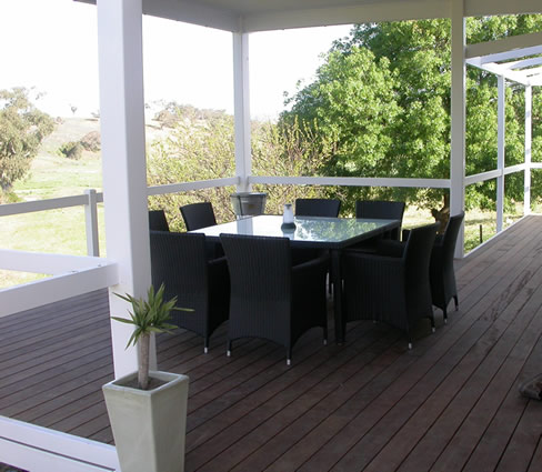 Decking : Jeremy Pearce Arcscape Landscape Services